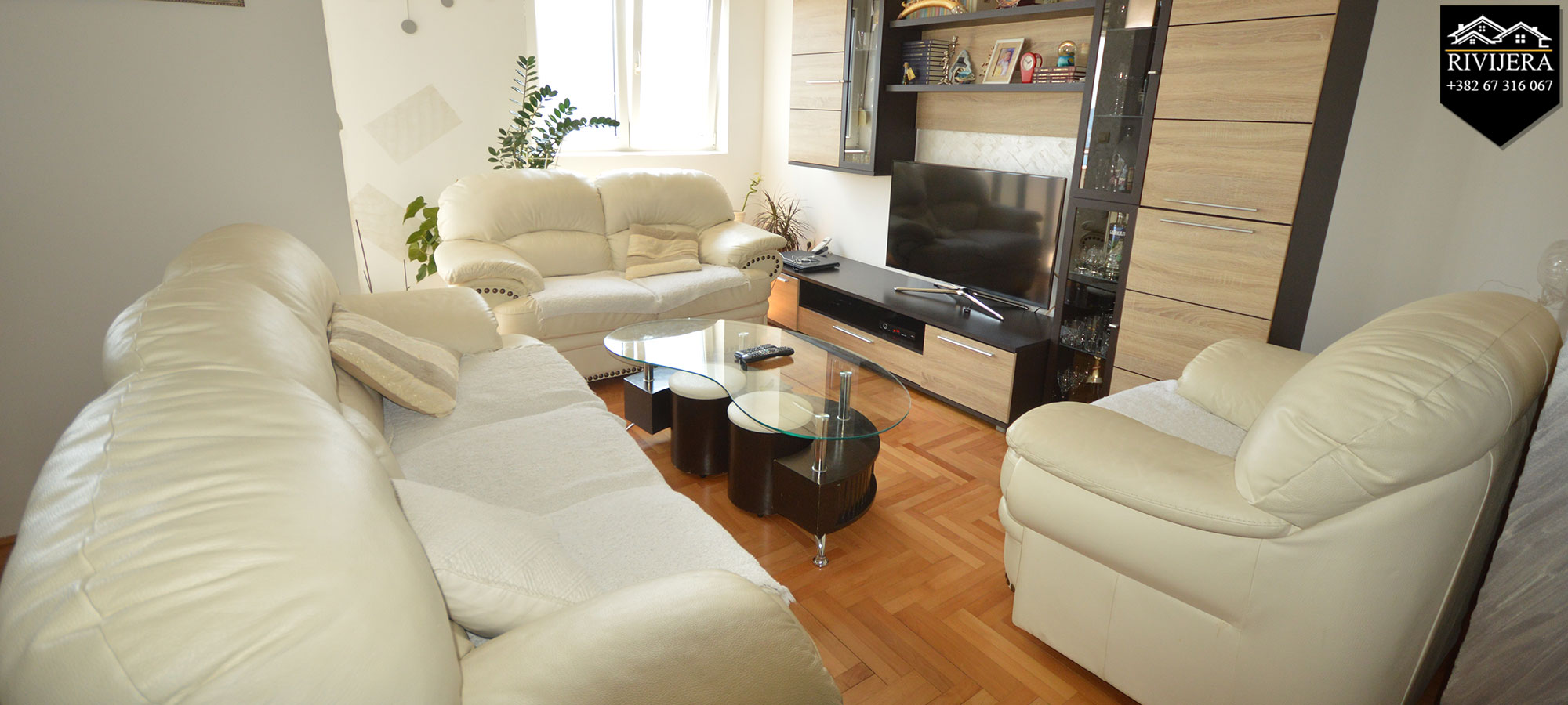 Trosoban stan sa panoramskim pogledom na more centar Herceg Novi