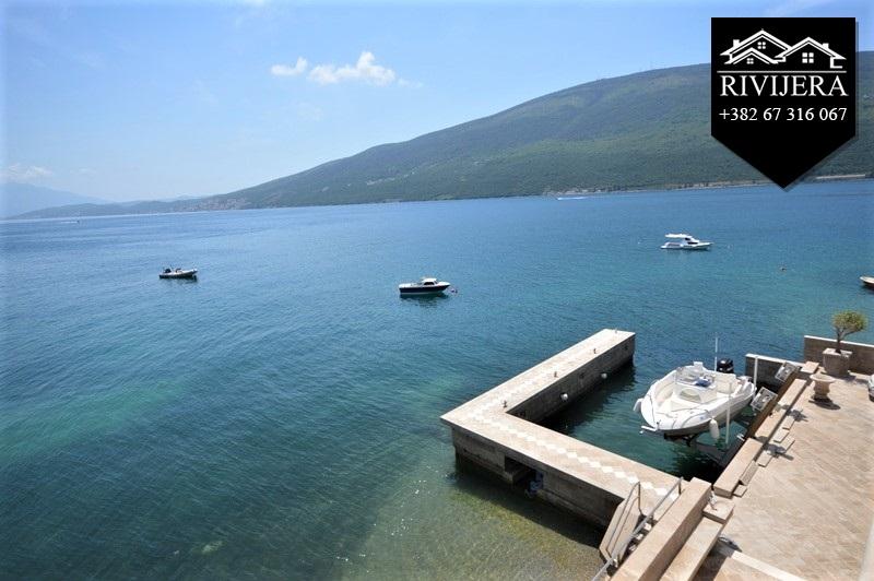 luxury-waterfront-vila-for-sale-rivijera-nekretnine-kumbor-portonovi-herceg-novi-montenegro-ads-oglasi-prodaja(10)_20190619_1099493392