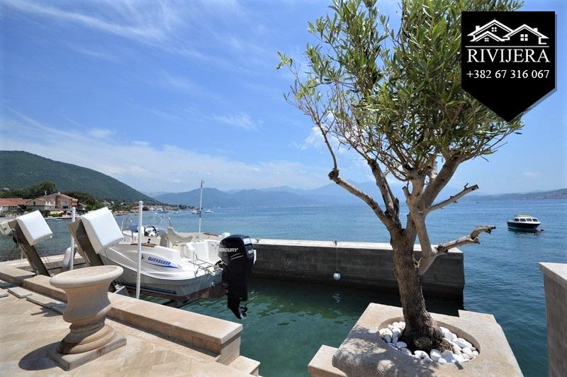 luxury-waterfront-vila-for-sale-rivijera-nekretnine-kumbor-portonovi-herceg-novi-montenegro-ads-oglasi-prodaja(11)_20190619_1372078233