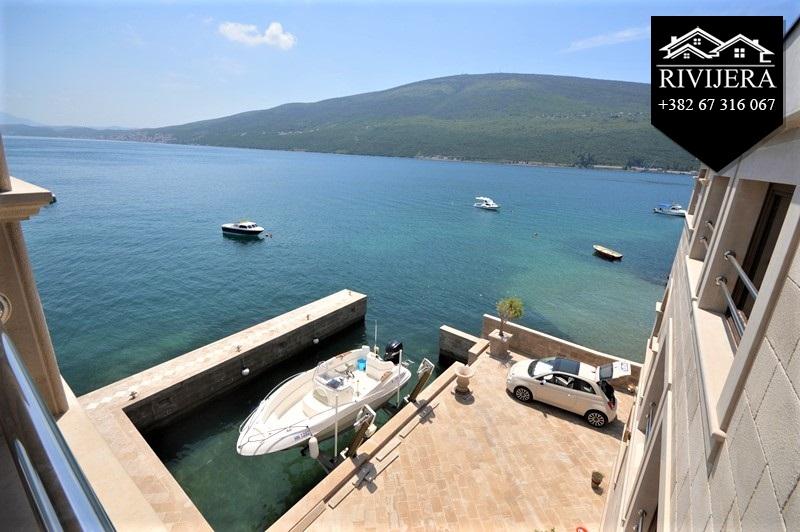 luxury-waterfront-vila-for-sale-rivijera-nekretnine-kumbor-portonovi-herceg-novi-montenegro-ads-oglasi-prodaja(8)_20190619_1060480582